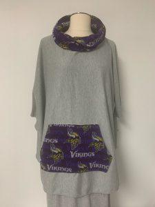 604 poncho viking pocket and collar